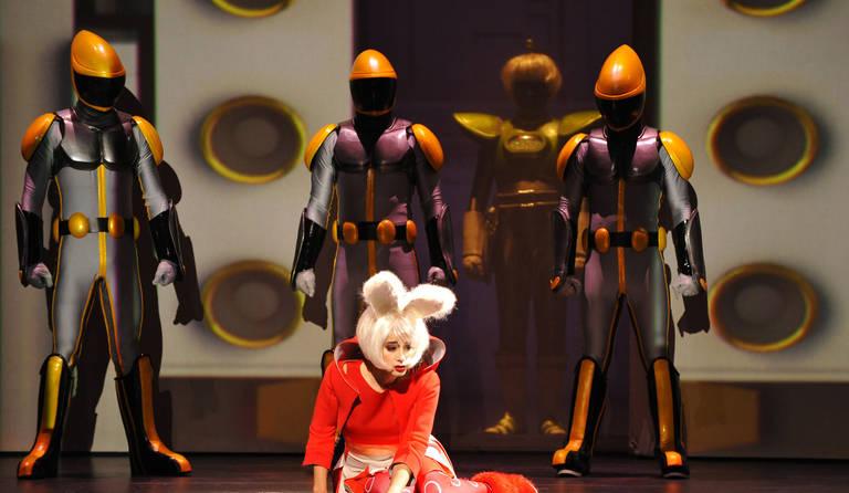 ·: Nicolas Buffe :· - Elisa (Raquel Camarinha) - Théâtre du Châtelet (c) Marie-Noêlle Robert 3k