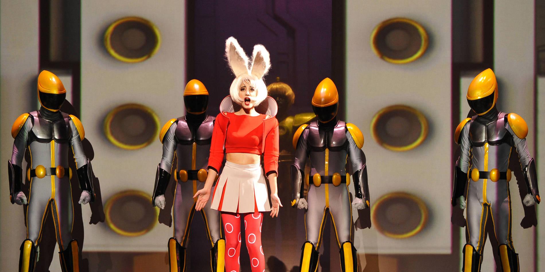 ·: Nicolas Buffe :· - Elisa (Raquel Camarinha) Théâtre du Châtelet (c)Marie-Noêlle Robert 3k