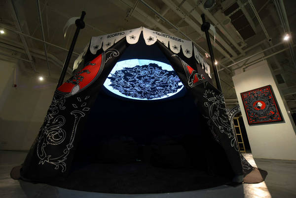 K11_NB_Chi_tent_planetarium_2k_b
